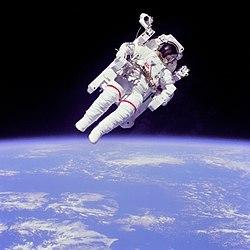 250px astronaut eva